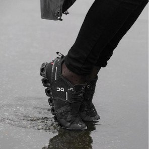 ON Cloud Waterproof Noire pour Homme